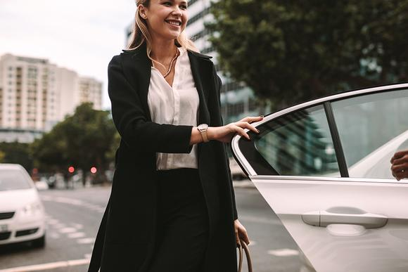 Executive car chauffeurs in Southend. Airport transfers and taxi service in Southend on Sea.